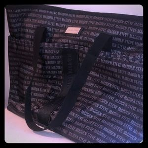Steve Madden Tote! Awesome bag/ perfect condition